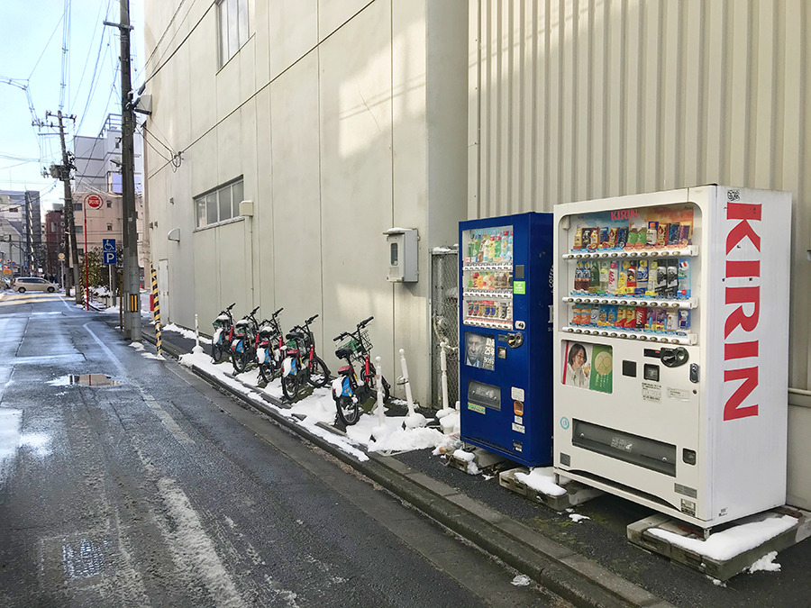 伊達バイク-トヨタカローラ宮城アムシス2